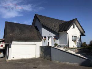 Vous souhaitez investir dans l'immobilier dans le Haut-Rhin, à proximité de Saint-Louis, de Guebwiller, de Wittenheim, d'Ensisheim, de Mulhouse ou de Colmar… voire de l'Allemagne ou de la Suisse ? Vous avez bien conscience qu'investir dans l'immobilier représente une solution intéressante pour diversifier votre patrimoine, profiter d'un revenu complémentaire ou d'une résidence principale au moment de votre retraite… Ce type de placement offre ainsi de nombreux avantages, et c'est sans parler de la réduction d'impôts à laquelle vous pourrez éventuellement prétendre. Si l'achat d'un bien immobilier en tant qu'investissement est dans vos projets, permettez-moi de mettre mes compétences à votre disposition : en plus d'une aide précieuse pour trouver votre appartement ou votre maison à louer, je vous ferai profiter de ma maîtrise de l'ensemble des procédures, devenant pour vous un véritable allié ! Vous ferez ainsi les meilleurs choix pour que votre investissement immobilier vous apporte tous les bénéfices attendus. La transaction elle-même sera, de plus, facilitée. Que vous optiez pour un bien neuf ou ancien à rénover, que vous choisissiez une maison ou un appartement, vous pourrez vous appuyer sur mon expérience et mon professionnalisme !