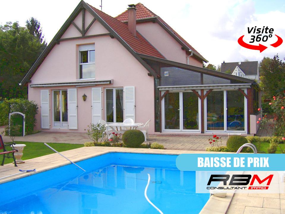 Maison à acheter et à vendre 68 Guebwiller, Devenir propriétaire d'une maison dans le Haut-Rhin ? Et mieux, d'une maison correspondant parfaitement à vos envies, besoins et budget ? Que vous cherchiez une petite maison cocooning ou une belle surface habitable, une maison jumelée ou individuelle, une maison de plain-pied ou à étages, je saurai trouver le bien immobilier qu'il vous faut ! La région se distingue par la grande diversité de ses offres immobilières : on peut y acheter de jolies maisons traditionnelles avec terrasse, jardin, garage, etc., le tout dans un cadre bucolique… mais également de belles maisons modernes en pleine ville. Et que vous souhaitiez vous lancer dans des travaux de rénovation, je dénicherai votre future habitation !